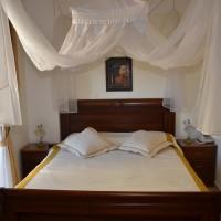 hotel_suite_bedroom.jpg