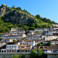 Berat_city_of_the_thousand_windows_1_3.jpg