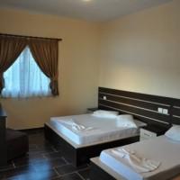 Hotel_105_Ermiri_Palace_Shengjin_Triple_Room1_1.jpg