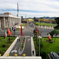 Albania_Tirana_Skanderberg_Square_from_balcony_of_Tirana_International_Hotel_Copy.jpg